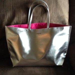 Clinique Silver Tote (SALE🔥)